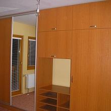 Vestavěné skříně Praha 2